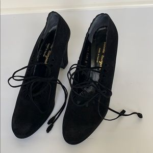 ROBERT CLERGERIE Black Suede Pumps w/ Lace